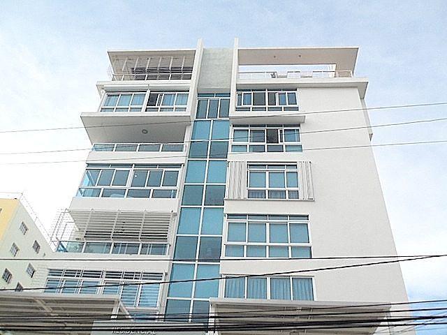 15 de 15: Moderna fachada