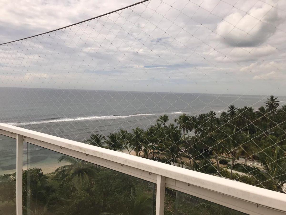 31 de 41: Vista desde terraza hacia el mar