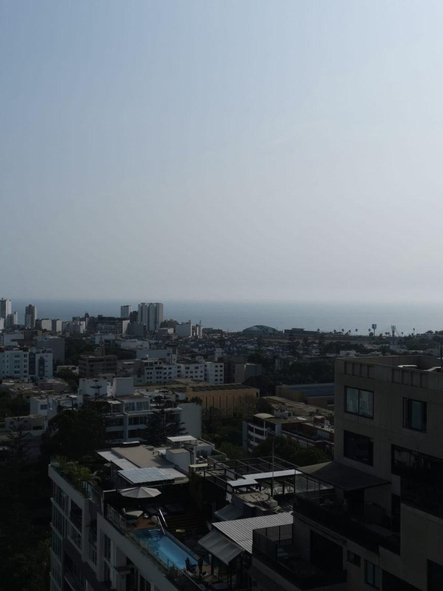 31 de 33: Vista al Mar lateralmente  desde el área social