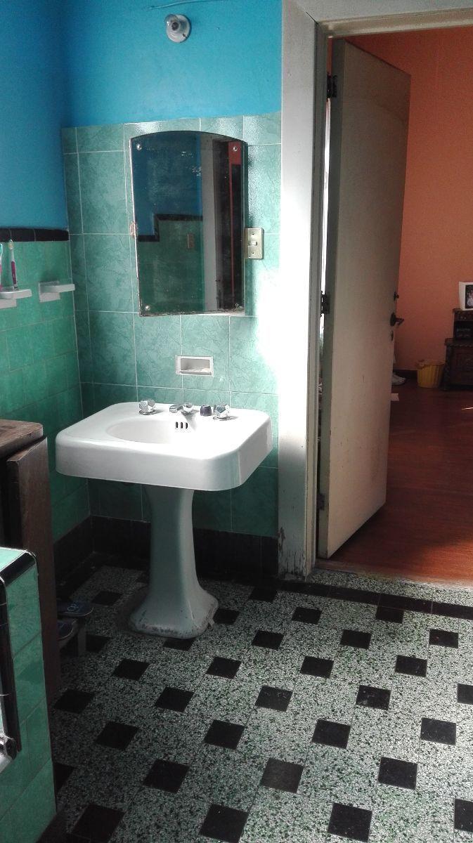 12 de 27: Baño principal