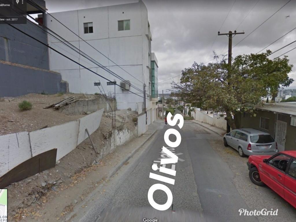 18 de 18: sobre av principal Los Olivos