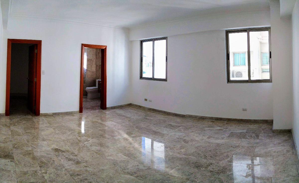 12 de 17: Habitación principal.