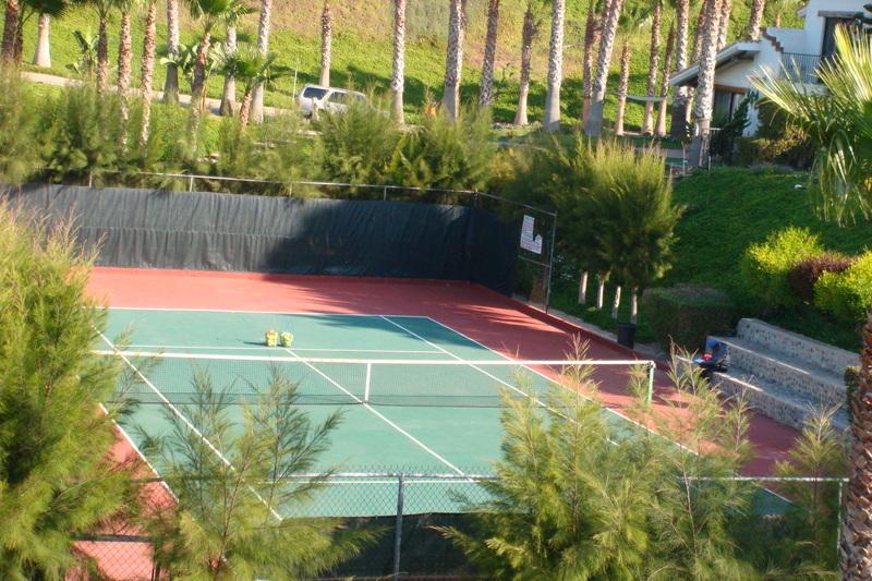 49 de 49: Canchas de Tennis